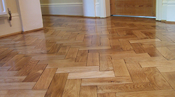 Parquet floor after sanding and lacquering