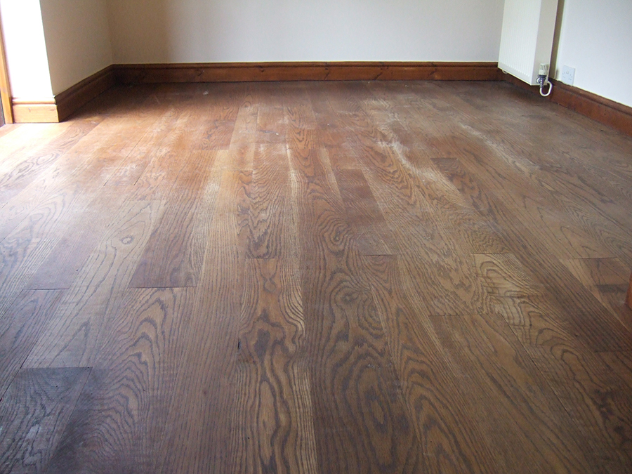 Oak floor oil waxed wearing