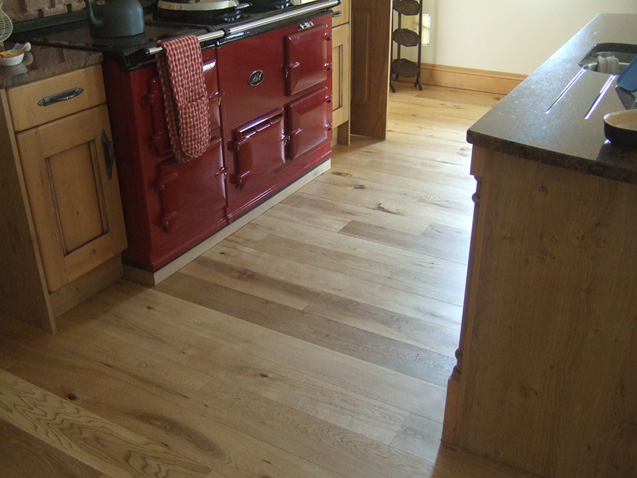 Oak floorboards with matt finish lacquer