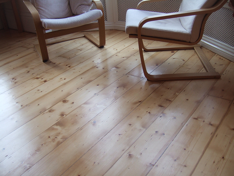 Old pine floor after varnishing
